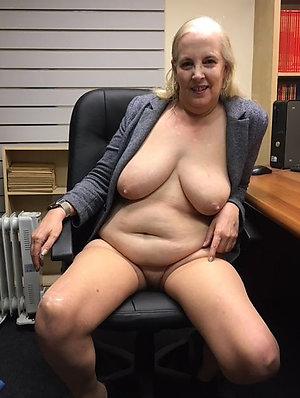 Nude mature wife slut amateur pics