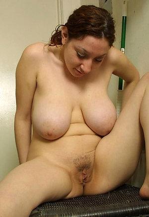Amateur pics of free mature solo porn