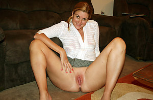 Stroke pics of solo mature pussy