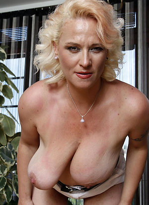 Real sexy mature solos pics