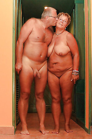 Amateur pics of mature naked couples
