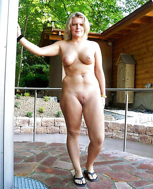 Free natural nude mature women