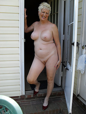 Naked natural undressed matures xxx pics