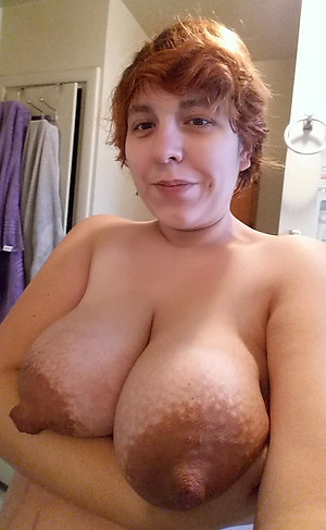 Amateur pics of mature with an increment of natural
