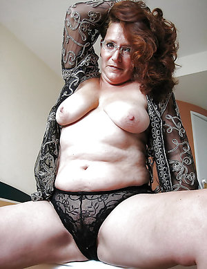 Naked fat mature women