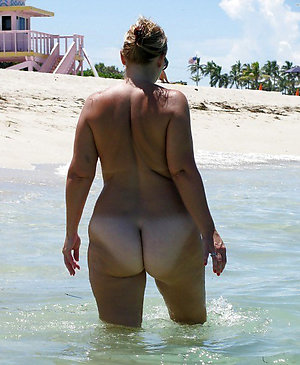 Xxx mature nude beach pics