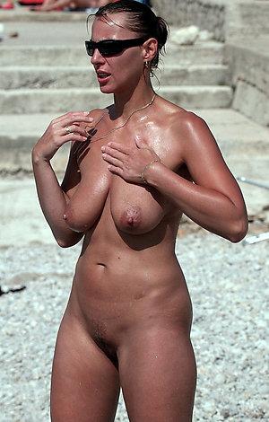 Real sexy women nude beach pics