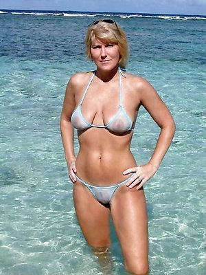 Naked slut on the beach