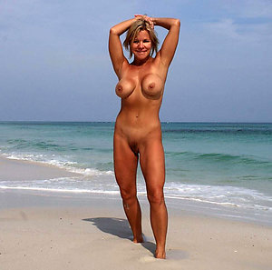Free slut on beach pictures