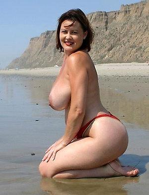 Naughty mature beach sex pics