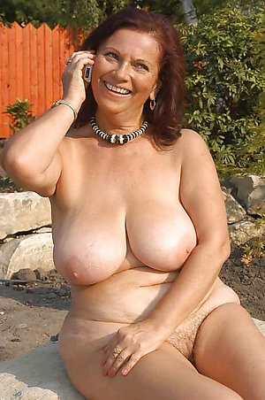 Best pics of big tit house wifes
