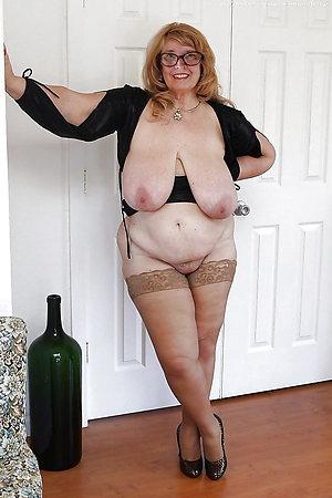 Naked bungling sluts in stockings