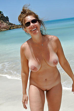 Pretty mature naked beach pictures