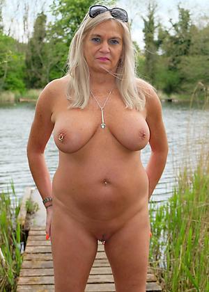 Real mature women nude beach pics