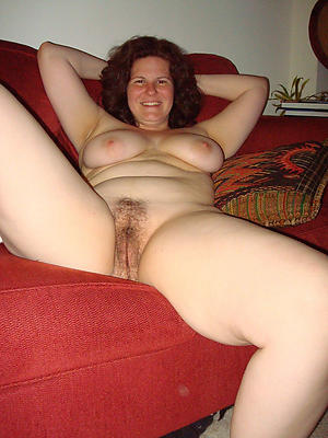 Sexy naked mature housewife pictures