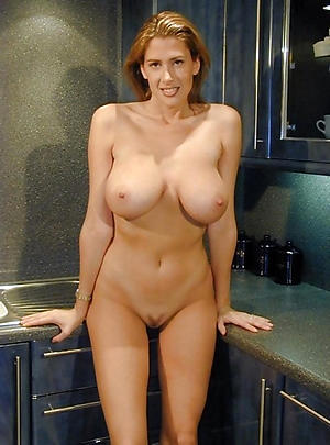 Handsome naked matured housewife