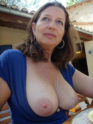 Unembellished mature lady porn pics