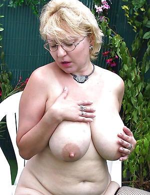 Amateur hot mature lass pictures
