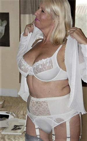 Nude matured older ladies