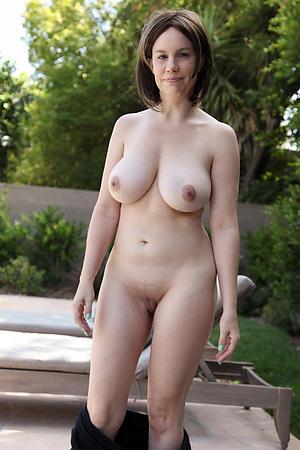Slutty mature cougar porn pics