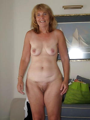 Free amateur mature cougars in the altogether
