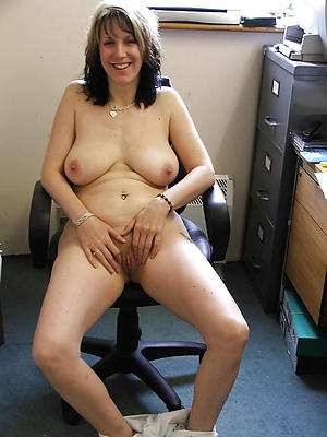 Handsome hot mature cougar pictures