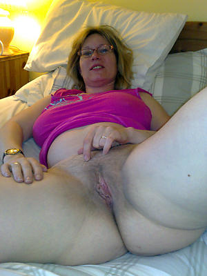 Xxx women showing pussy verandah