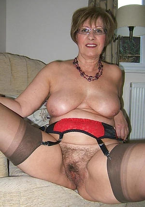 Free amateur women encircling hairy pussy
