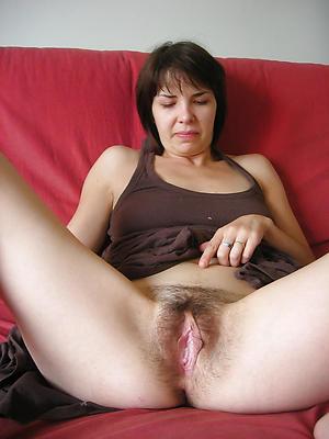 Amazing women uniformly their pussy pics