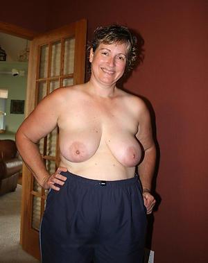 Bohemian naked women chunky tits non-professional pics