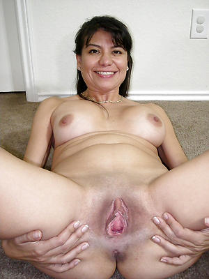 Sweet soaking mature cunt gallery