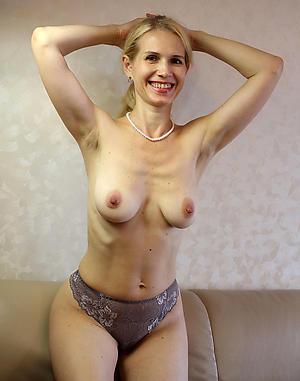 Xxx mature blonde dusting