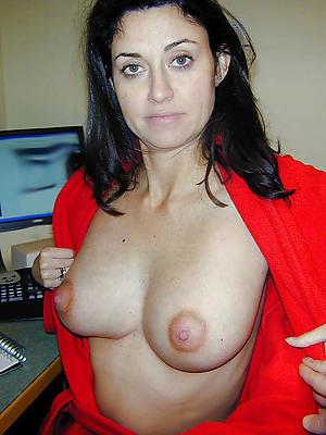 Pretty naked mature xxx