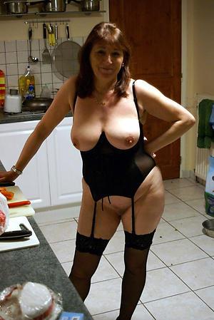Naked sexy grown up women xxx