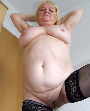 Pretty bbw naked
