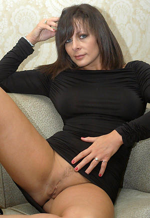 Mature Brunette Pictures
