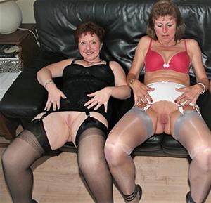 Pulling sexy lickerish moms