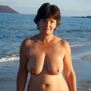 Naked natural beauty women