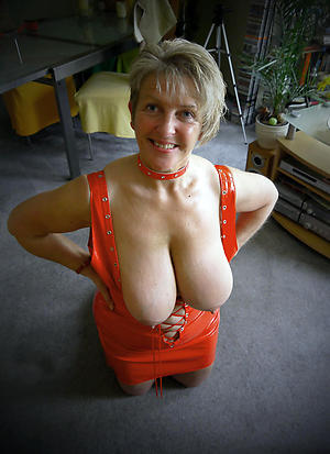 Naked horny mature women