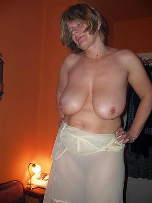 Beautiful single matures