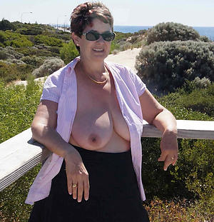 Amateur pics of natural matured naked body of men