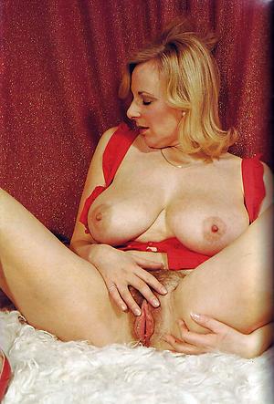 Hot vintage mature women pics