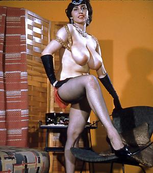 Lovely vintage matured nude