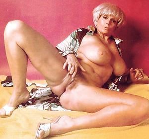 Free vintage mature tits galleries