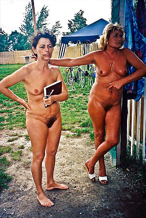 Busty vintage mature nudes pictures