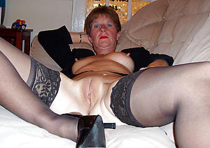 Shaved white pussy