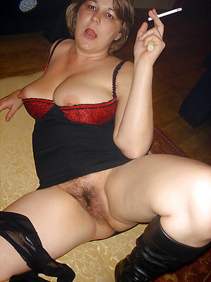 Horny unshaved mature pussy sex pics