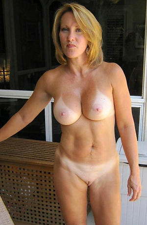 Naked grown up babes xxx