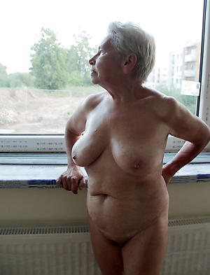 Older mature women nude photos