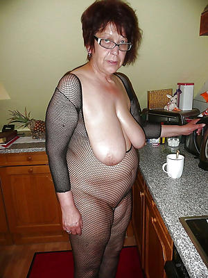 Older mature women amateur pics